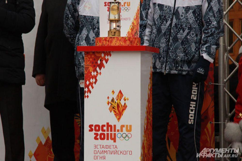 Эстафета Олимпийского огня перешла воронежцам.
