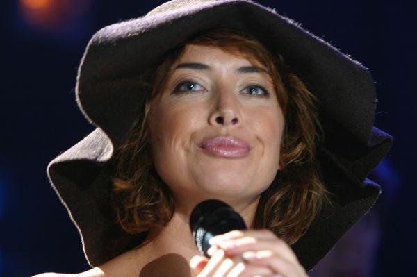 В составе «Блестящих» Фриске приобрела популярность не только в России, но и за её пределами. Вместе с этой группой Жанна записала четыре диска и три концертных программы.