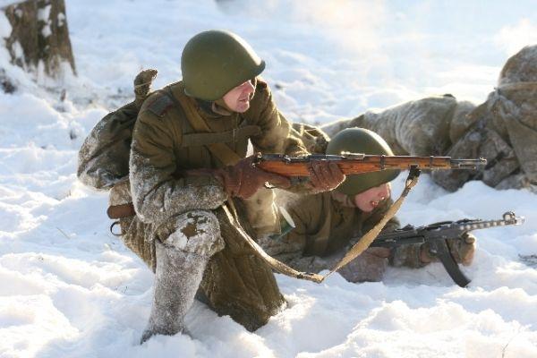 Реконструкцию попытались сделать достоверной и учесть все детали обмундирования солдат.