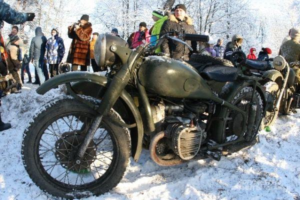 Мотоциклы были неотъемлемой частью реконструкции.