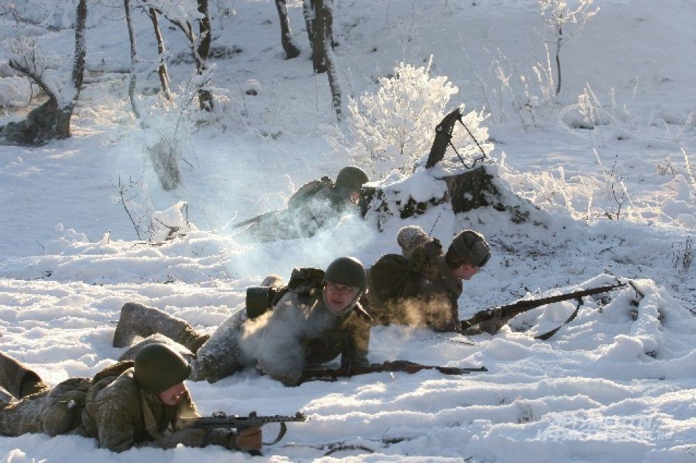 Наступление использовало винтовки и автоматы.