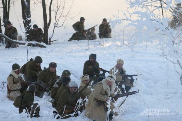 «Советские войска» в наступлении.
