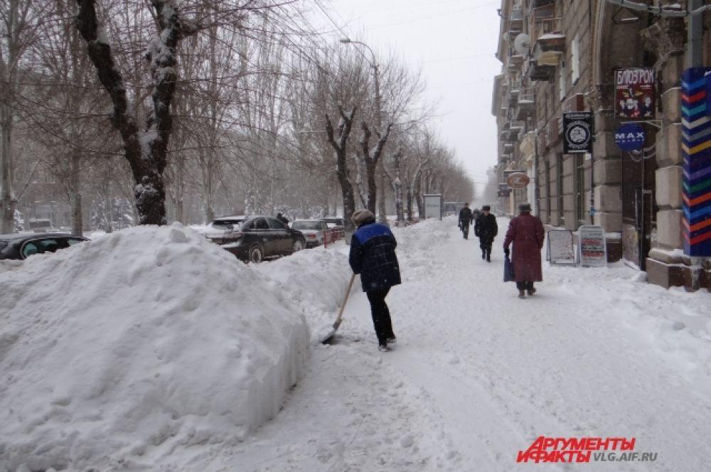 После уборки перед администрацией встанет задача вывоза снега