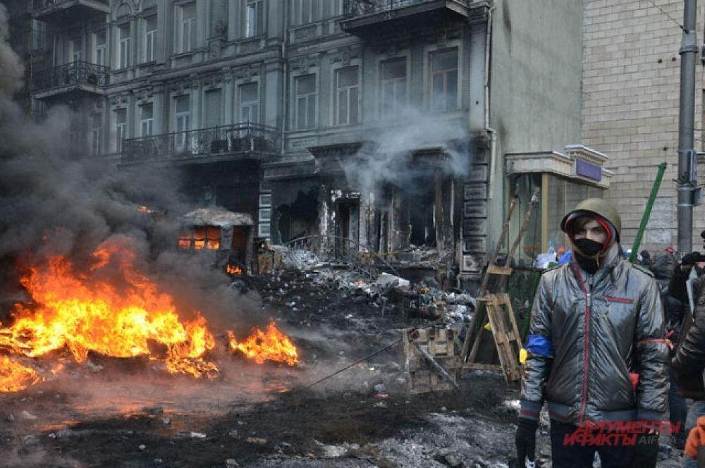 От огня страдают расположенные на улице Грушевского здания
