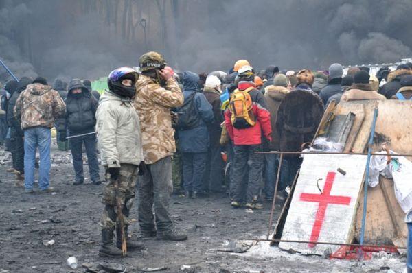 На Грушевского постоянно дежурят врачи-волонтеры
