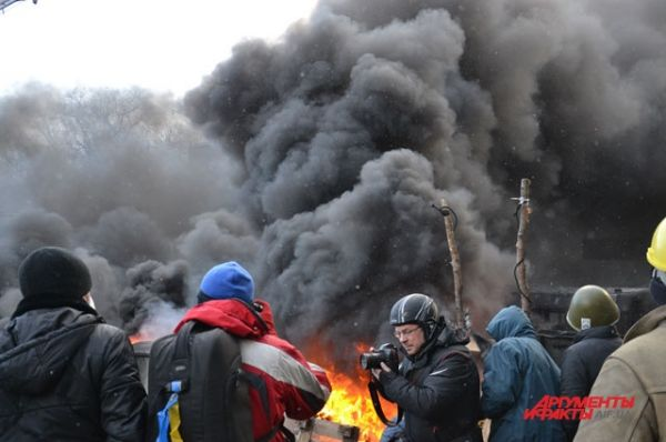 Исторические события вывели на улицы Киева тысячи демонстрантов