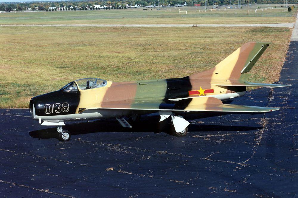 В ответ на американскую разработку в ОКБ Микояна и Гуревича был представлен «МиГ-19» - первый советский сверхзвуковой истребитель. Эти самолёты поставлялись в Китай, Вьетнам, Египет и Сирию и долгое время успешно противостояли более современным моделям противников.