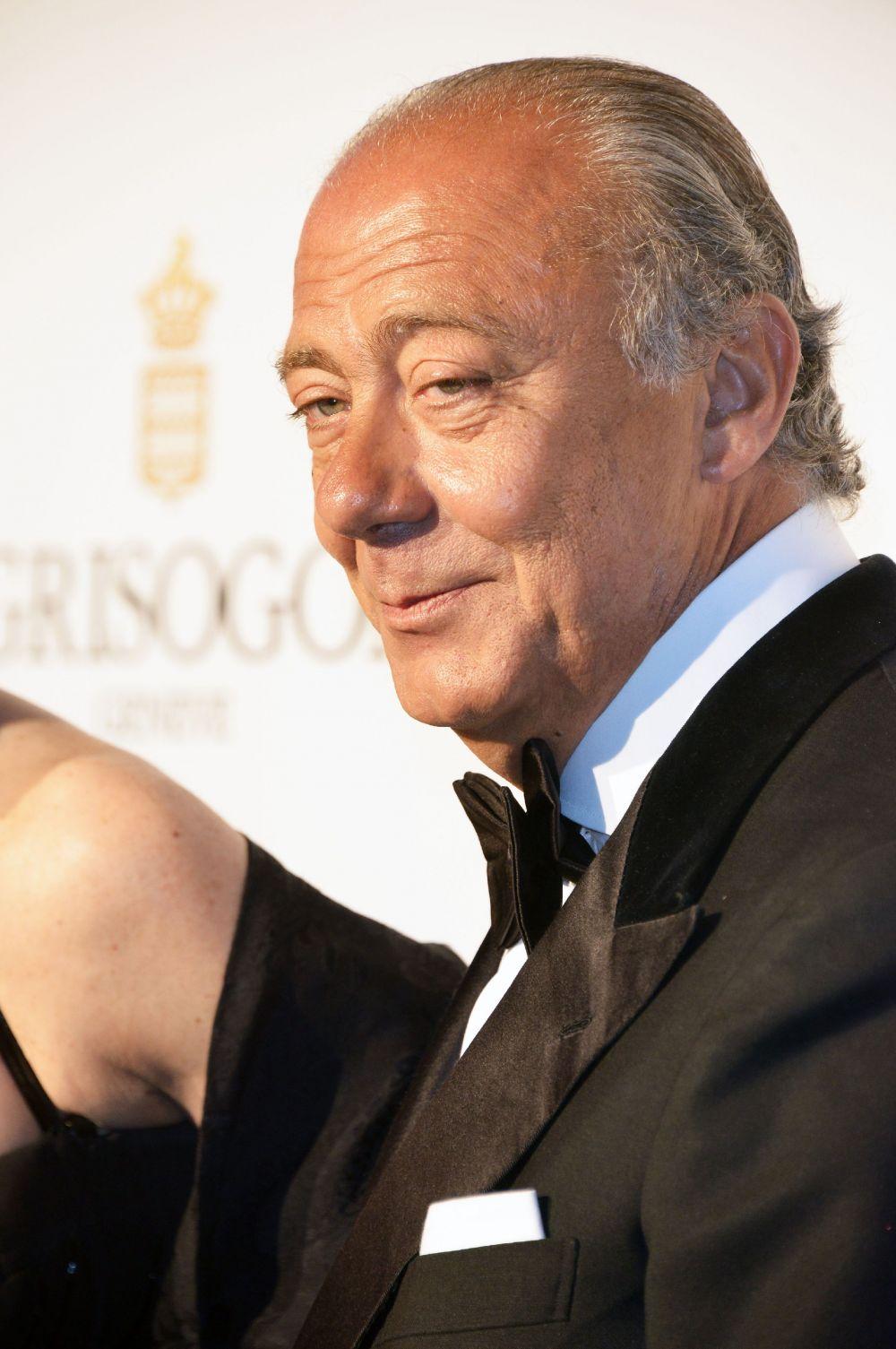 Одним из наиболее успешных ювелиров в наши дни является флорентийский мастер Фаваз Груози. Именно он ввёл в моду чёрные бриллианты – шикарные, но сдержанные украшения.