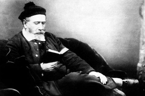 Луи-Франсуа Картье, основатель одноимённой фирмы. В 1867 году его изделия были показаны на Всемирной выставке в Париже, что дало толчок к росту популярности других его работ среди публики.