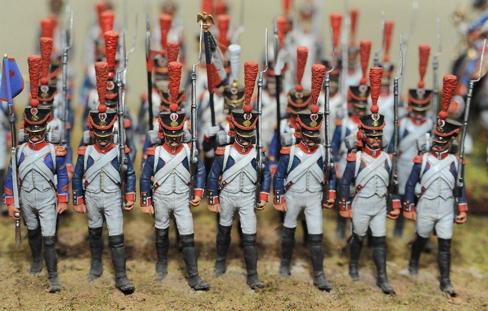 Воссозданные доспехи и военная форма отличаются большой исторической достоверностью, практически неотличимы от оригинальных предметов, хранящихся в запасниках музеев.