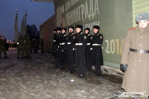 В параде приняли участие несколько родов войск