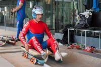 Альберт Демченко на тренировке сборной России по санному спорту на санно-бобслейной трассе «Санки» в Красной поляне.