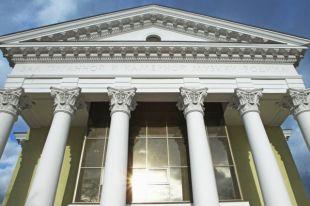 В Челябинске начался перенос органа в зал «Родина», несмотря на морозы