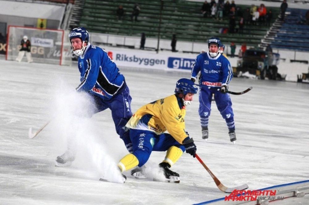 После торжественной части состоялся матч между сбоными Швеции и Финляндии.