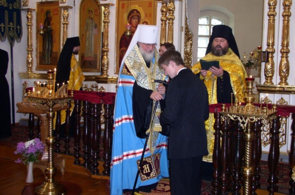 Вручения аттестатов первым выпускникам Рославльской православной гимназии