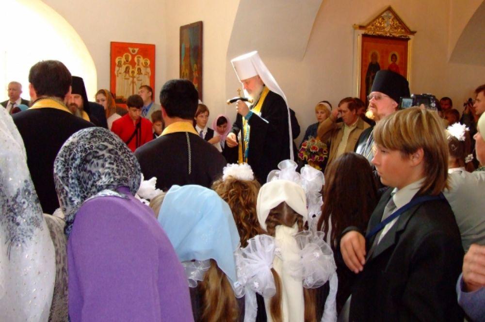 В Рославльском монастыре. Молебен для учащихся православной гимназии Рославля