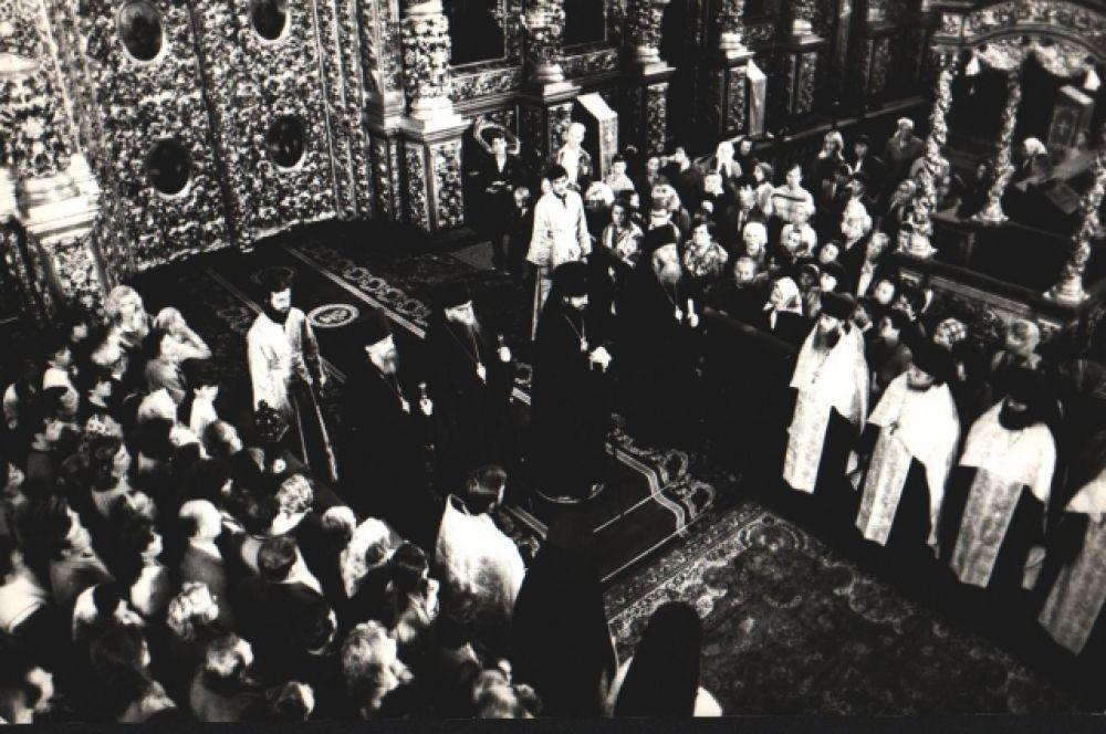 В Свято-Успенском кафедральном соборе Смоленске. Праздник Одигитрии в год 1000 летия Крещения Руси