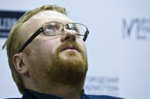 Милонов думает, как наказать пользователей интернета за фейковые аккаунты в соцсетях