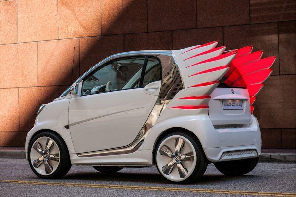 Даже если бы у Smart forjeremy были бы только «крылья», хром  и оригинальные колёсные диски ничего не добавляют в 100-процентной узнаваемости. Кстати, этот автомобиль не остался только концептом, а выпущен небольшой серией.