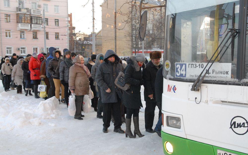 В Ростове теперь очередь не только за хлебом, но и в общественный транспорт