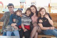 Папины дочки: Лиза, Алёна, Анжела, Лида.