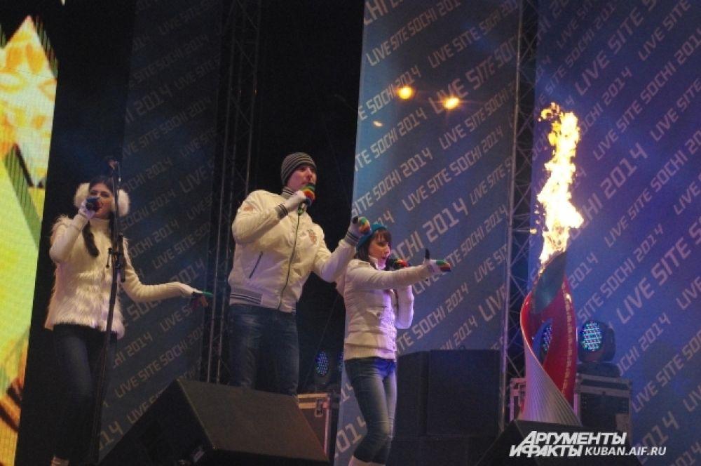 Краснодарский коллектив «Музыкальный квартал» исполнил гимн Эстафеты