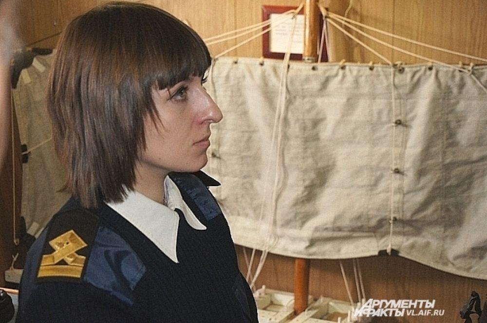 В примету про женщину на корабле на «Надежде» не верят.