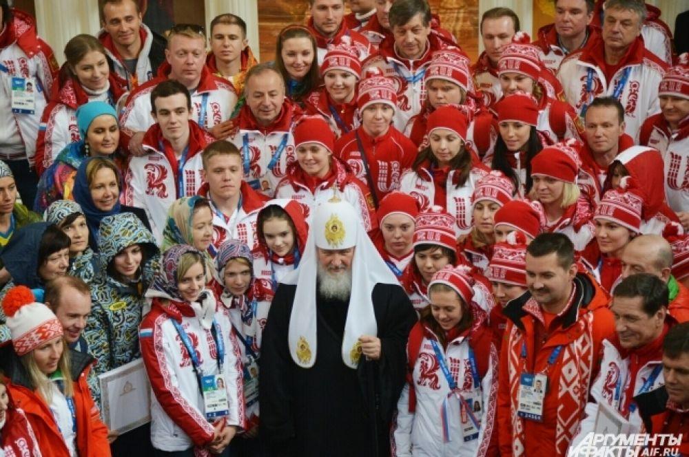 В храме кроме россиян присутствовали также спортсмены из Белоруссии, Украины и Молдавии.