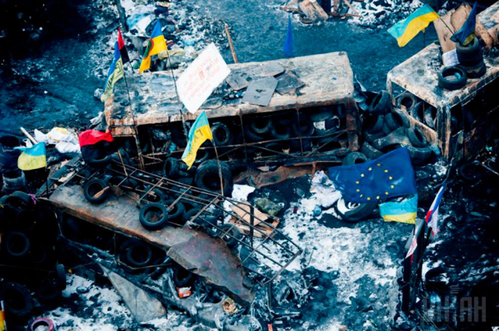 Сожженные активистами милицейские автобусы