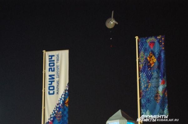 Дирижабль в небе - с его помощью олимпийские соревнования снимают в лучших для телезрителей ракурсах