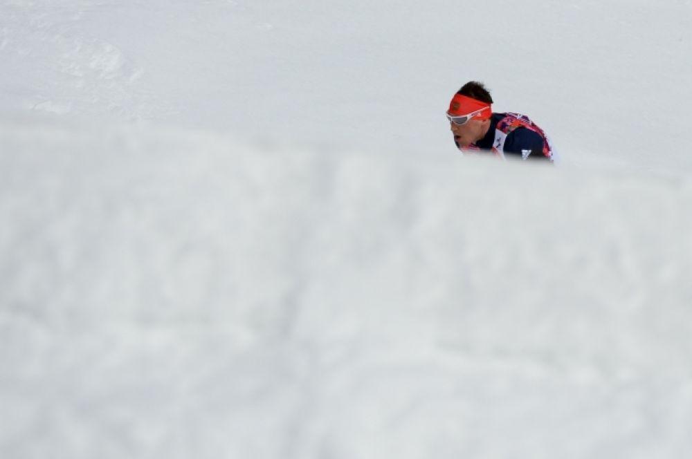 Буквально за несколько километров до финиша Александр попал в затор, в котором он лишился лыжной палки.