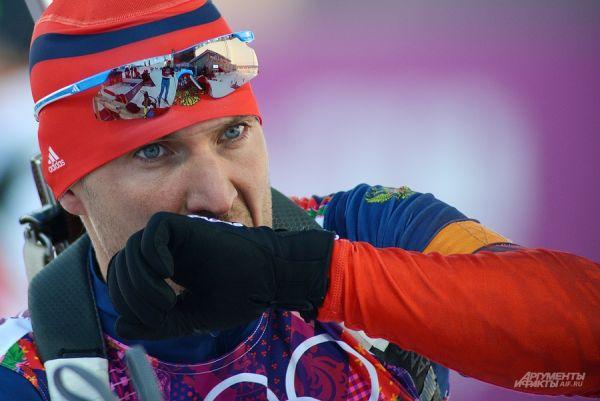 Биатлон традиционно является одним из наиболее зрелищных видов спорта зимних Игр, а страсти в нём всегда зашкаливают.