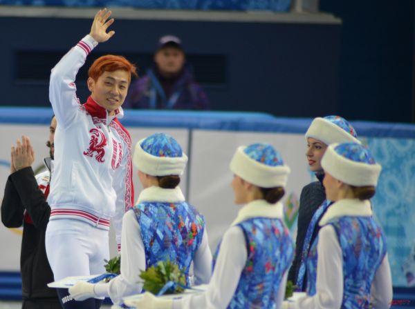 Ещё одна медаль в копилке нашей команды появилась после успеха Виктора Ана, завоевавшего бронзовые награды в соревнованиях по шорт-треку.