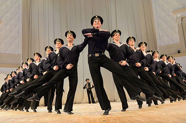 Артисты ансамбля народного танца имени Игоря Моисеева. 2013 год.
