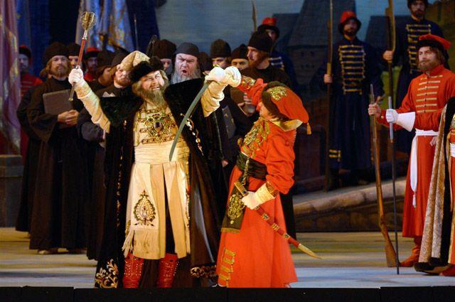 Экспериментальную версию оперы «Фауст» представил театр из Новосибирска