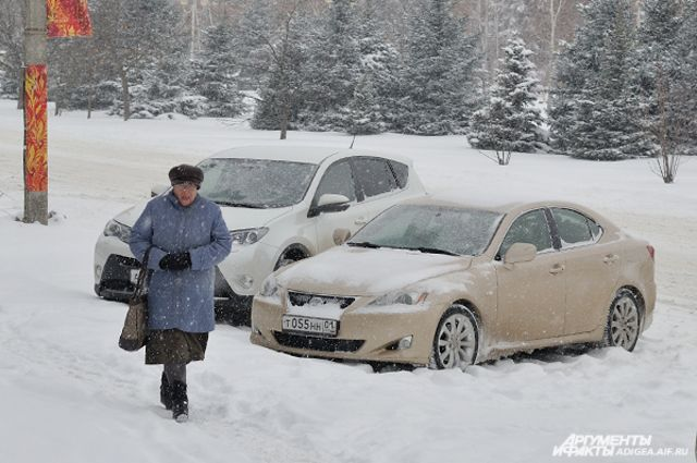 В Екатеринбурге за ночь вывезли 12 тонн снега