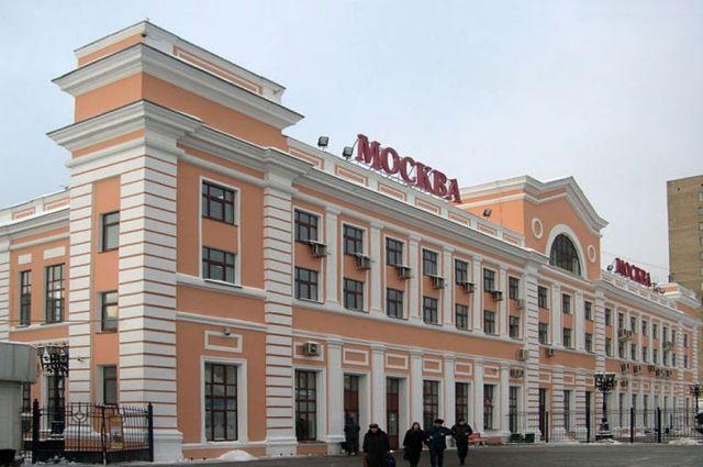 Платформа на Савеловском вокзале Москвы просела из-за перепада температуры.
