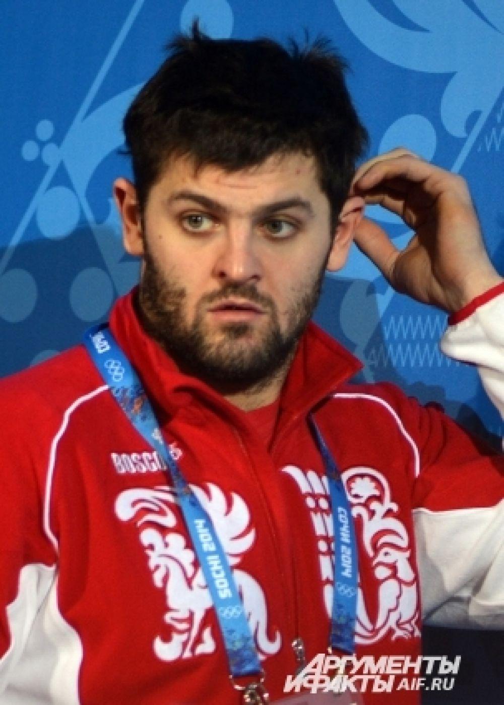 Александр Радулов - ещё один российский форвард, успевший поиграть в НХЛ, сейчас играющий в России. Сейчас Радулов является игроком московского ЦСКА.