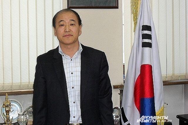Ли Янг Гу, Генеральный консул Южной Кореи во Владивостоке