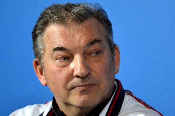 Вместе с командой находится и Владислав Третьяк, прославленный вратарь сборной СССР, трёхкратный олимпийский чемпион. Сейчас третьяк занимает пост президента Федерации хоккея России.
