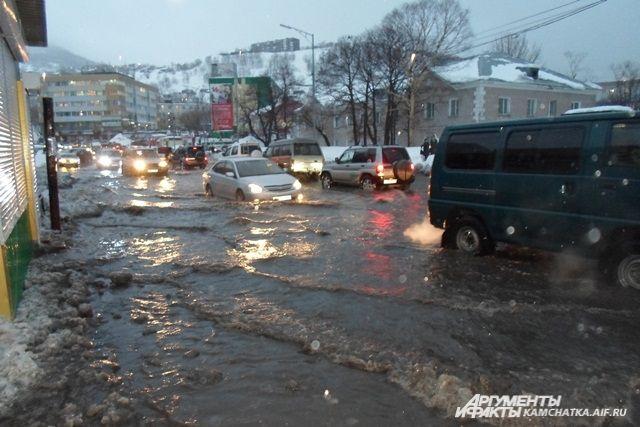 Жители Петропавловска тонут в