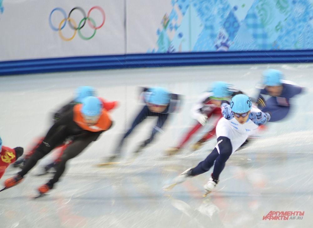 Так или иначе, несмотря на подобные трудности, город живёт спортом. Правда, после выходных медалей в копилку сборной России ослабел. Впрочем, наш кореец Виктор Ан порадовал «бронзой».