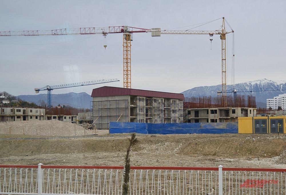 Строительство некоторых объектов завершить в срок так и не удалось. Да и те, которые были сданы, не всегда отвечают высоким требованиям.