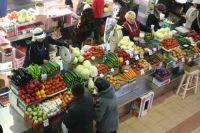 Иркутяне предпочитают покупать свежие продукты на Центральном рынке.