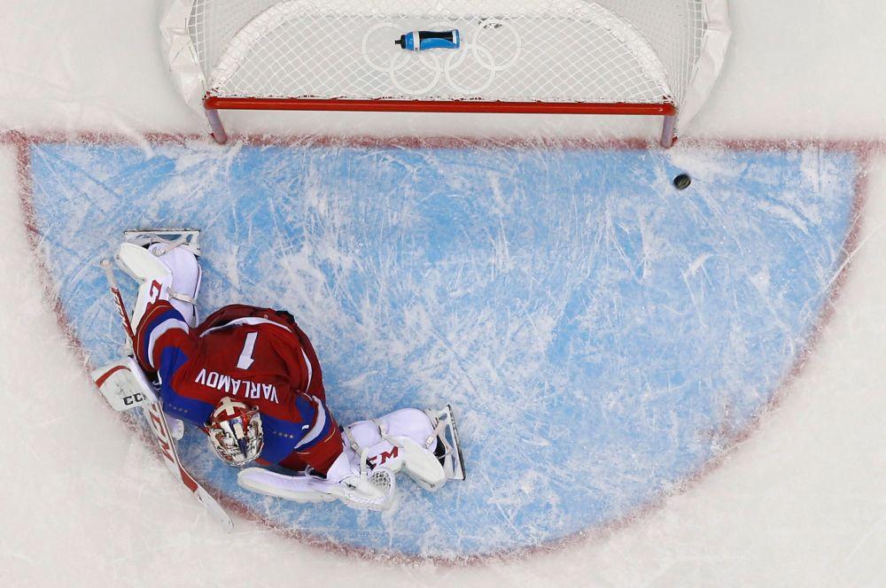 В целом, матч прошёл при уверенном преимуществе российской команды, опередившей соперника в том числе по броскам - 35:14.
