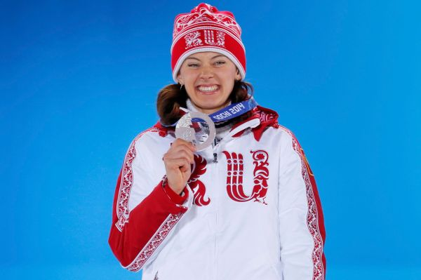 Серебряную медаль нашей команде принесла биатлонистка Ольга Вилухина. Она завоевала серебряную медаль в гонке на 7,5 км.