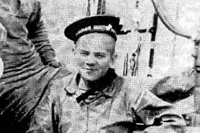 Юнга Виктор Щербатюк на практике в Находке.