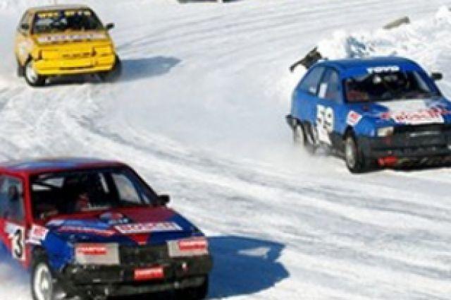 Соревнования по трековым гонкам.