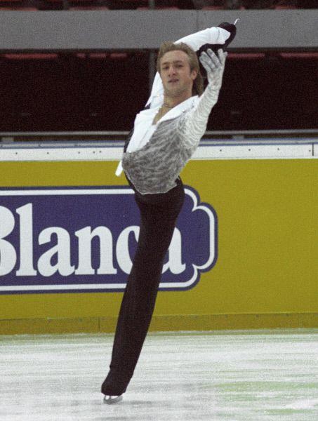 В 2002 году На Олимпиаде в Солт-Лейк-Сити Плющенко занимает второе место, уступив своему извечному конкуренту Алексею Ягудину.