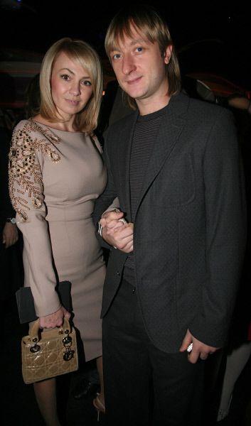 В 2009 году Евгений Плющенко женится на продюсере Димы Билана Яне Рудковской.